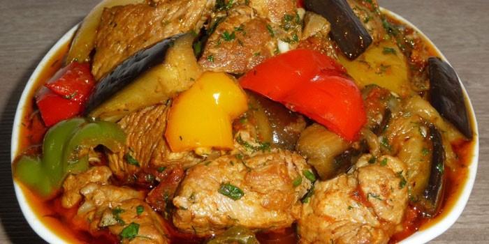 Тушеные баклажаны с мясом