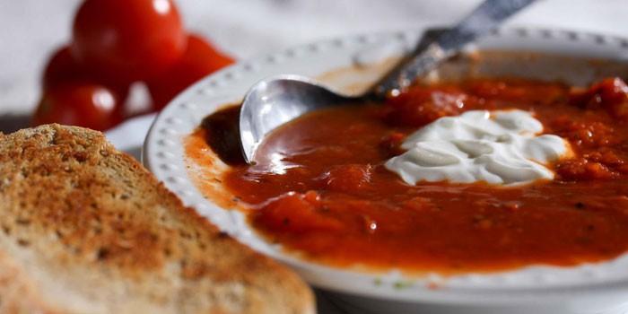 Густой томатный суп-пюре со сливками