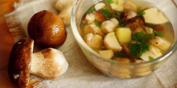 Похлебка из белых грибов с картофелем