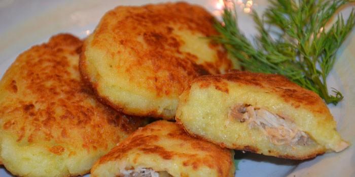 Котлеты из картофеля с начинкой из фарша