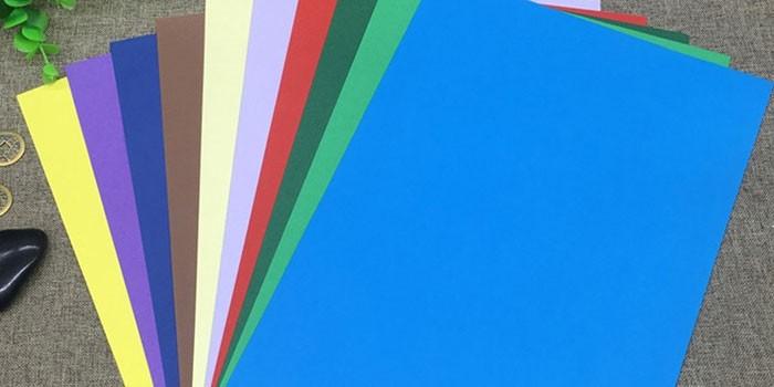 Листы цветного картона