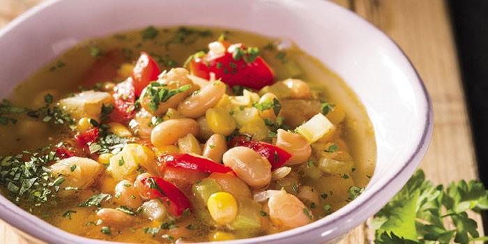 Суп с овощами и белой фасолью