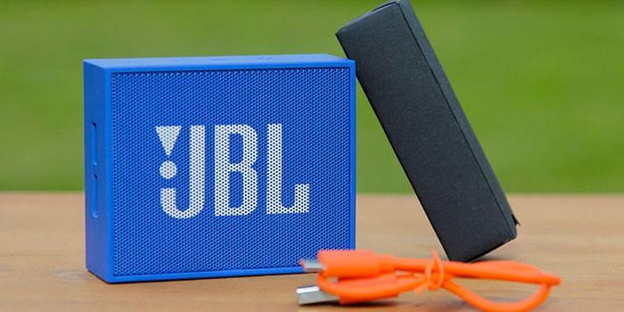 Портативная колонка GO от JBL