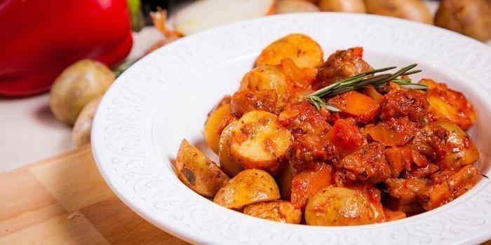 С добавлением томатной пасты и прованских трав