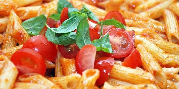 Паста пене в томатном соусе