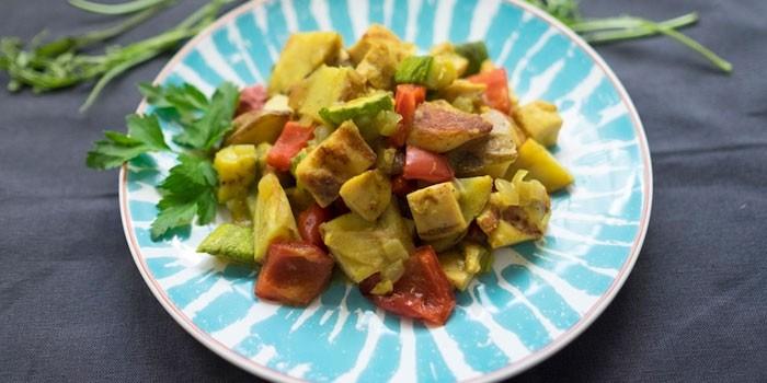 Рагу из кабачков, картофеля и куриной грудки