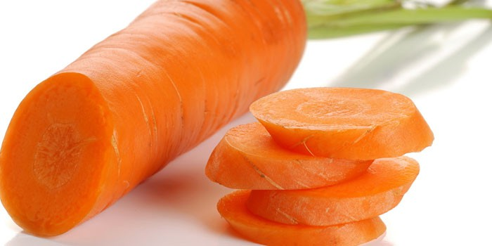 Нарезанная кружочками морковь