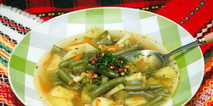 Овощной суп из стручковой фасоли
