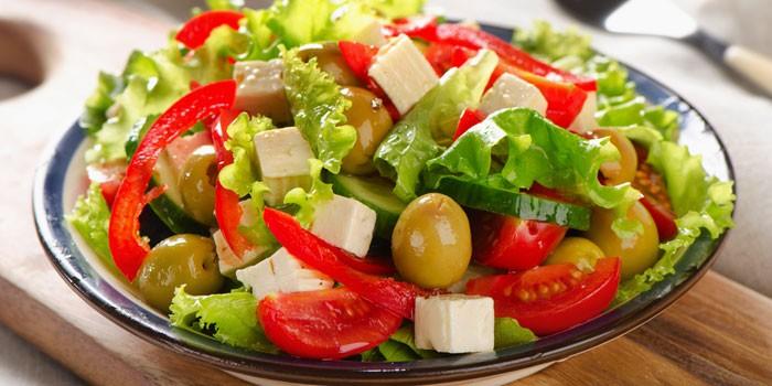 С сыром Фета и оливками