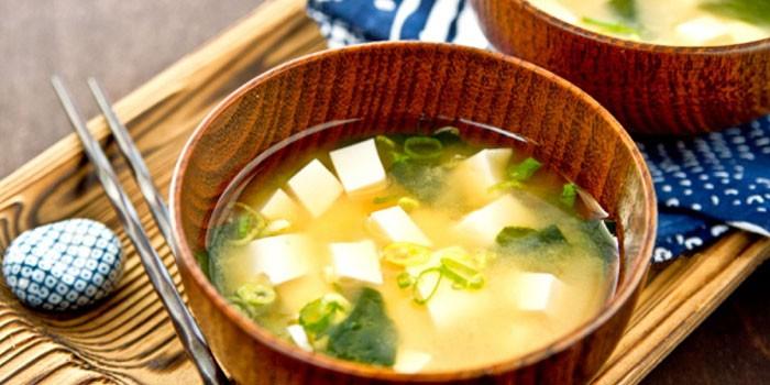 Готовый мисо-суп с сыром тофу