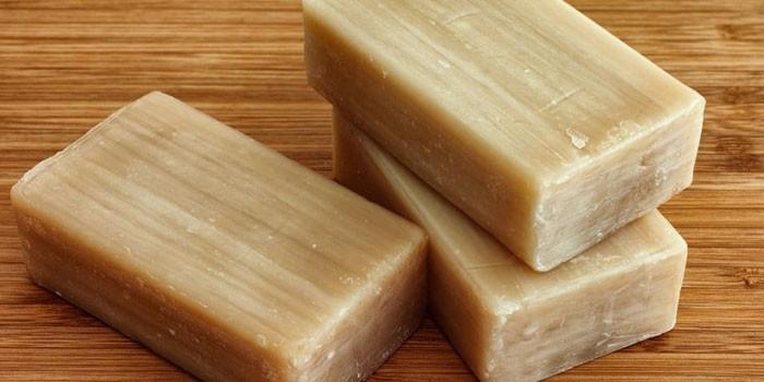 Куски хозяйственного мыла