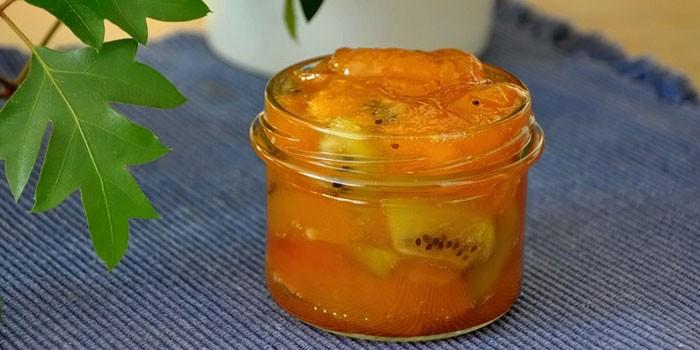 Варенье из абрикосов и киви