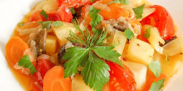 Соте из овощей с картофелем
