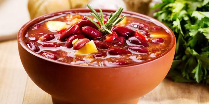 Томатный суп из красной фасоли