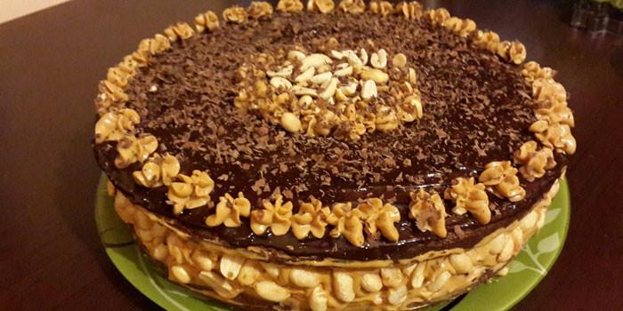 Готовый торт Сникерс с крекерами