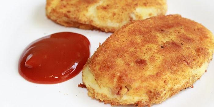 Жареные котлеты из картофеля с начинкой