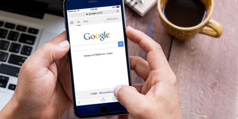 Браузер Гугл на смартфоне