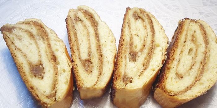 Рулет с орехами - как готовить в домашних условиях из дрожжевого, слоеного, бисквитного или вытяжного теста