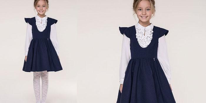 Девочка в белой блузе и школьном сарафане Letty Wildberries