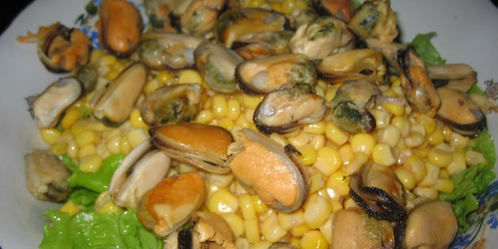 С кукурузой и морепродуктами