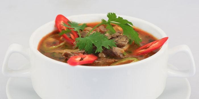 Острый грибной суп на мясном бульоне