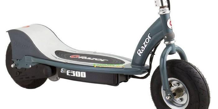 Электрический двухколесный самокат с электромотором Razor E300