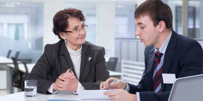 Собеседование при приеме на работу пенсионерки