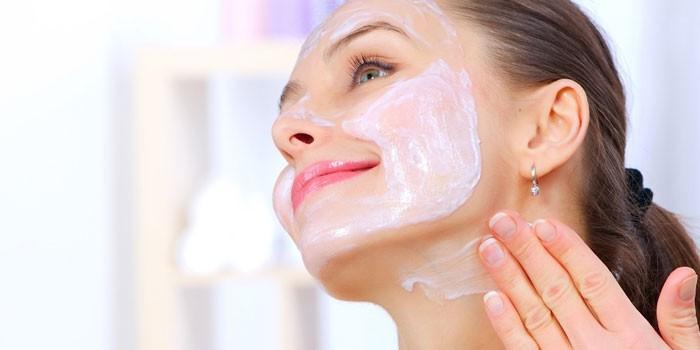 Как избавиться от морщин - эффективные косметические и народные средства, аппаратные процедуры и массаж
