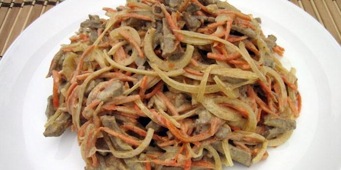 Из куриной печени и корейской моркови