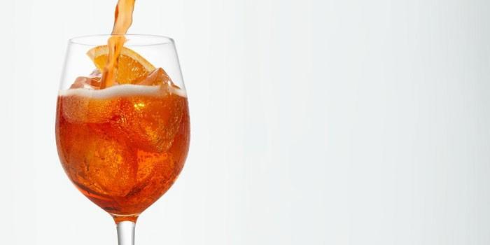 Напиток Апероль в бокале