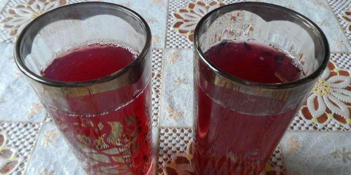 Готовый напиток в стаканах
