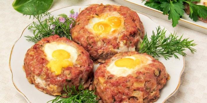 Гнезда с добавлением сыра и яйца
