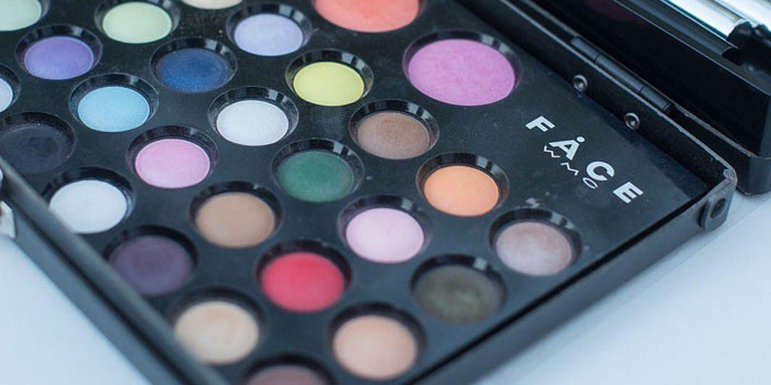 Make-Up Wamiles Face the Colors 36