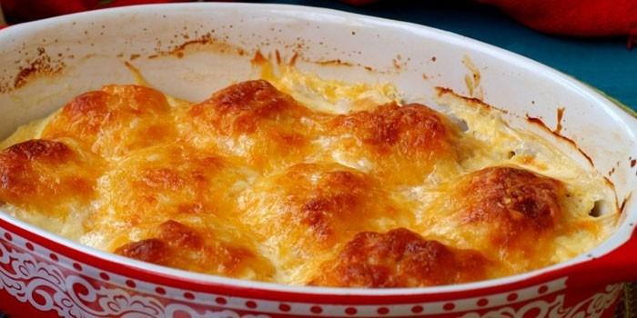 В сырно-сливочном соусе