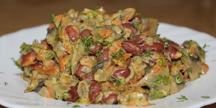 Салат с фасолью и морковью - пошаговые рецепты приготовления мясных или постных с фото