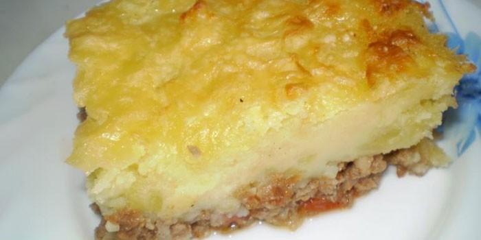 Запеканка с картофельным пюре и свининой