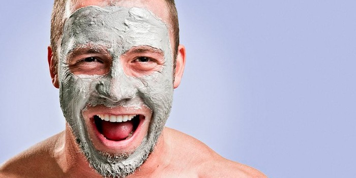 Маска на лице мужчины